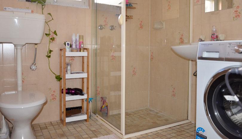 Rental Properties Kensington Park   Bathroom