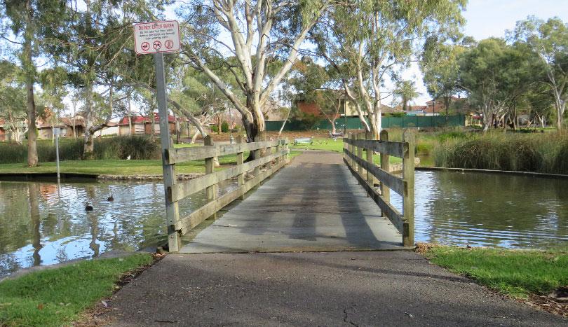 Rental Properties Oakden | Bike & Walking Paths | Salvan