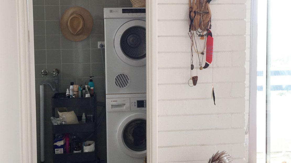 11/18 Seaview Road | Laundry